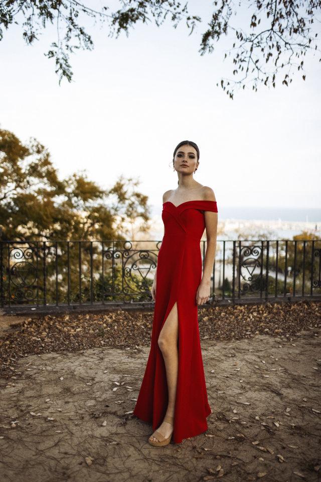 escote-bardot-falda-sirena-rojo